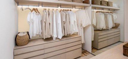 Garderoba w kolorze - pomysły na kolorystykę ścian