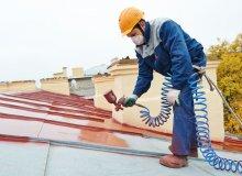 Stalowy dach - jak go oczyścić i przygotować do malowania