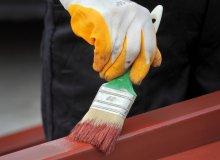 Jak odmalować balustradę i zabezpieczyć ją przed korozją?