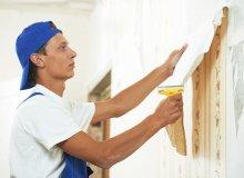 Malowanie ścian po usunięciu tapety – poradnik krok po kroku