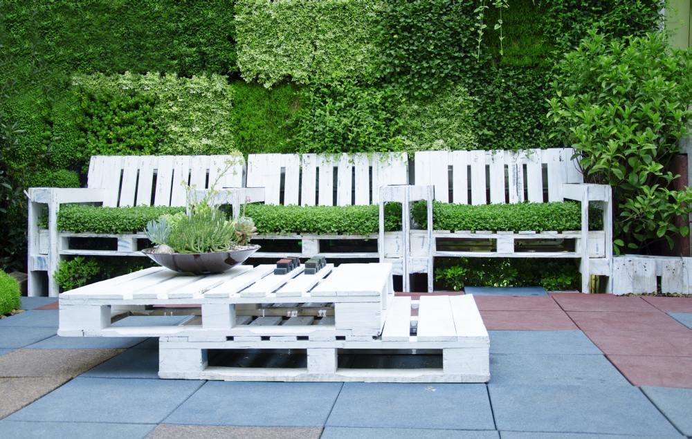 Meble Ogrodowe Z Palet Inspiracje : Stolik ogrodowy z palet euro – zrób go sam  Farby Śnieżka