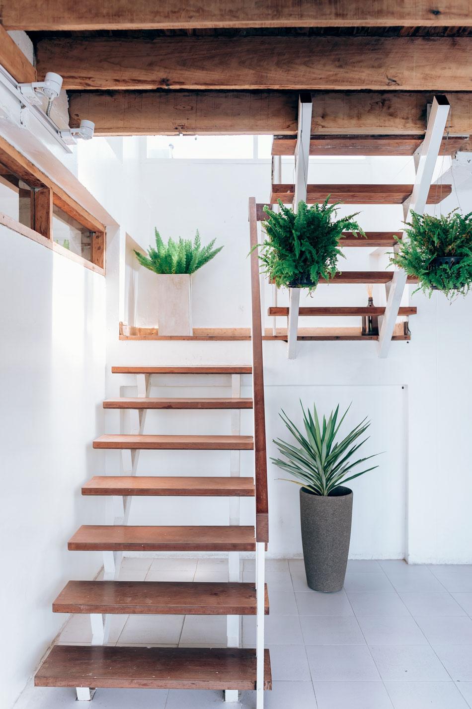 Jak Odnowić Stare Drewniane Schody I Poręcze Farby śnieżka